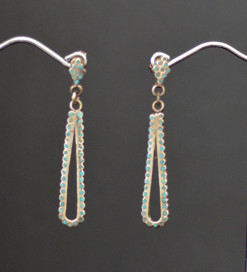 Dainty & Fine Dishta Style Earrings